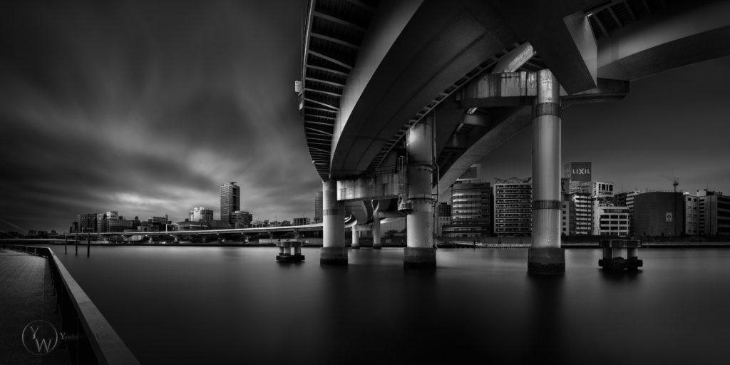 The thin Red line-両国ジャンクション/東京-